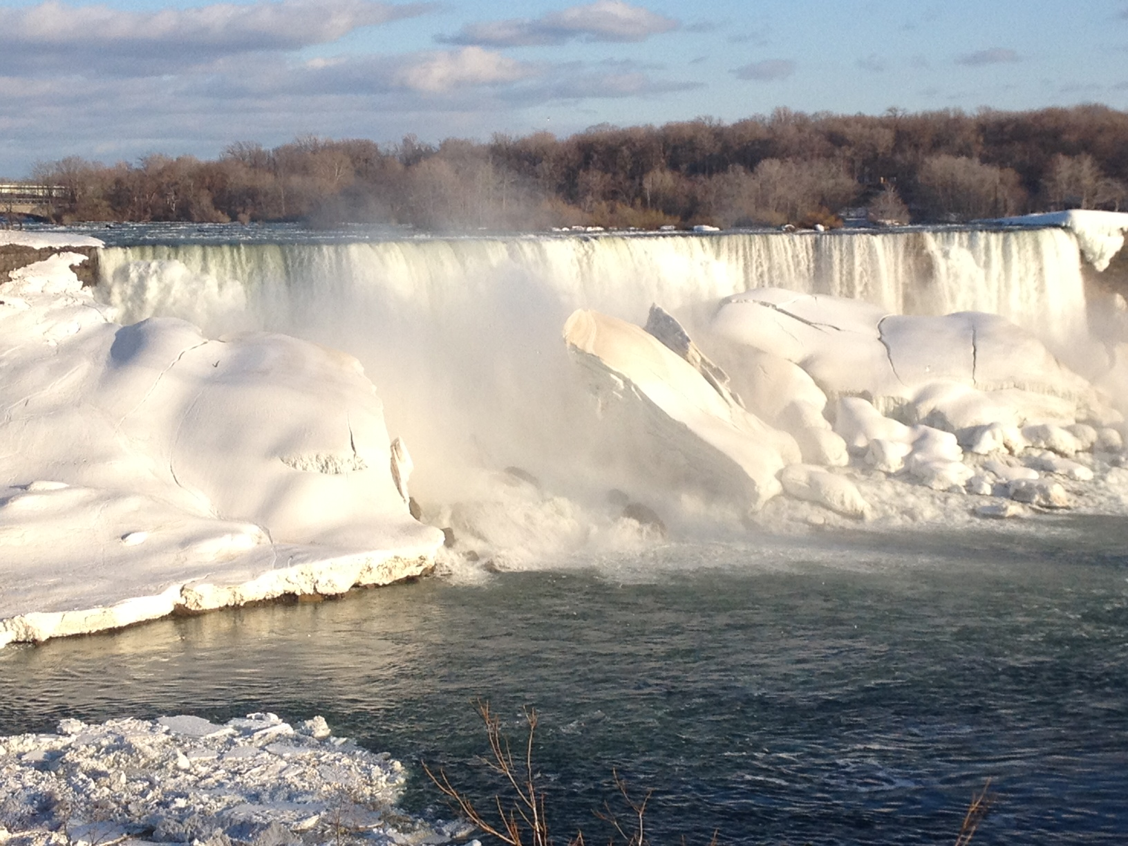 Frozen Falls from the Canadian side Saturday April 4, 2014