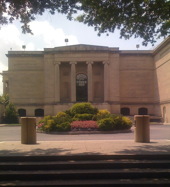 Baltimore_Museum_of_Art_entrance